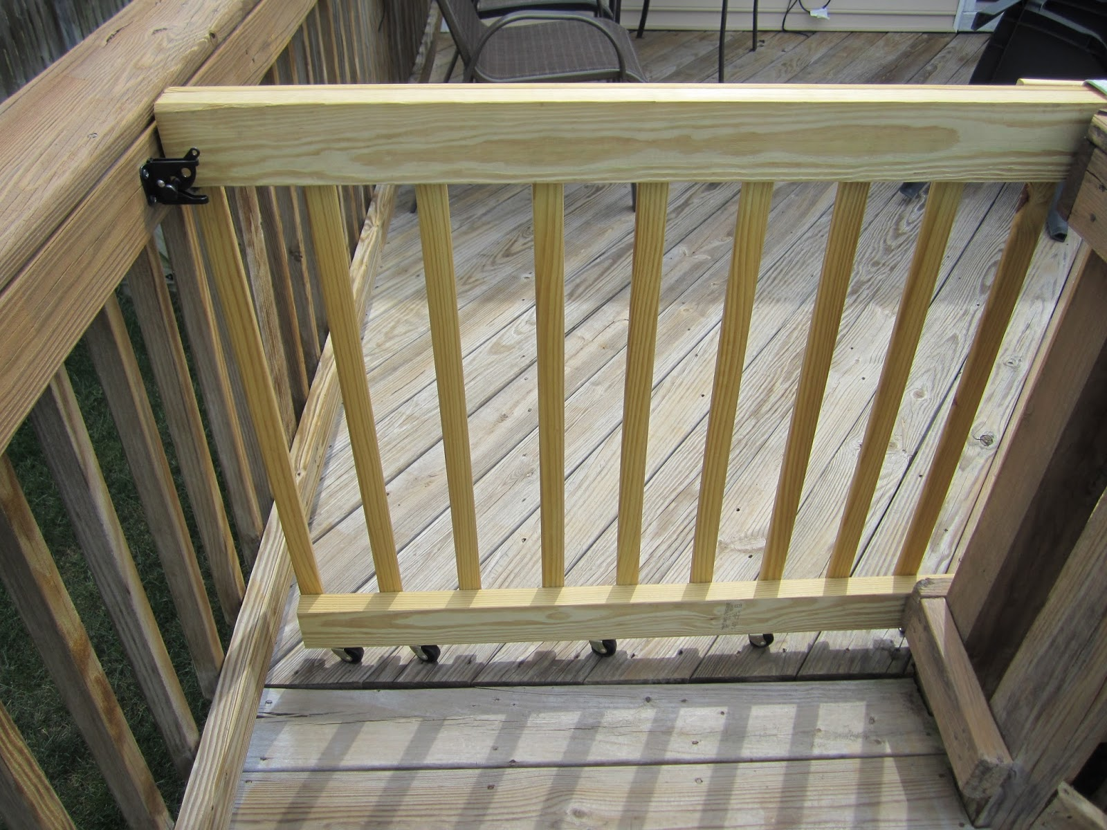 My jobs diy a sliding gate for deck