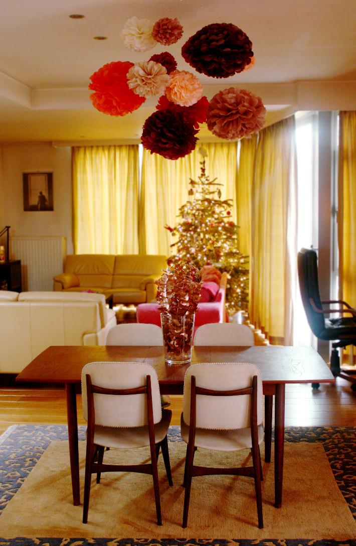 midcentury modern living room, tissue paper pom poms