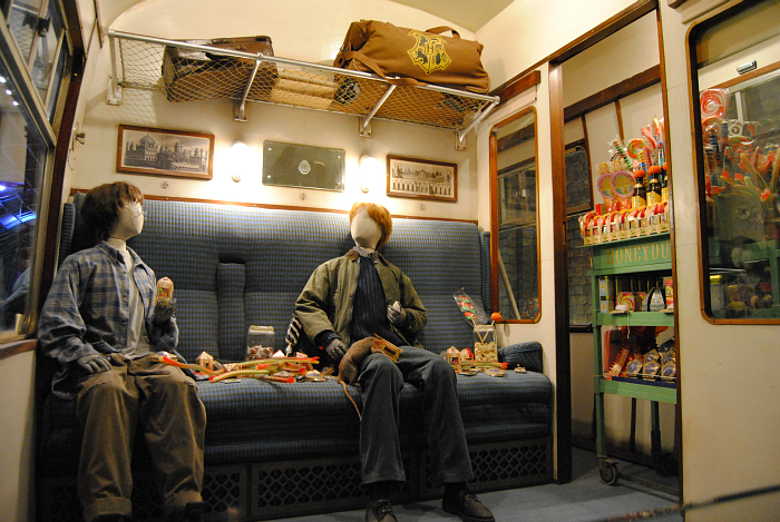 Hogwarts Express Compartment | Harry Potter Studio Tour