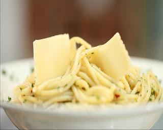 Membuat Spaghetti Minimalis ala Qeer Chef
