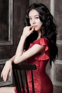 Hwang Sun Hee sebagai Jin So Hee