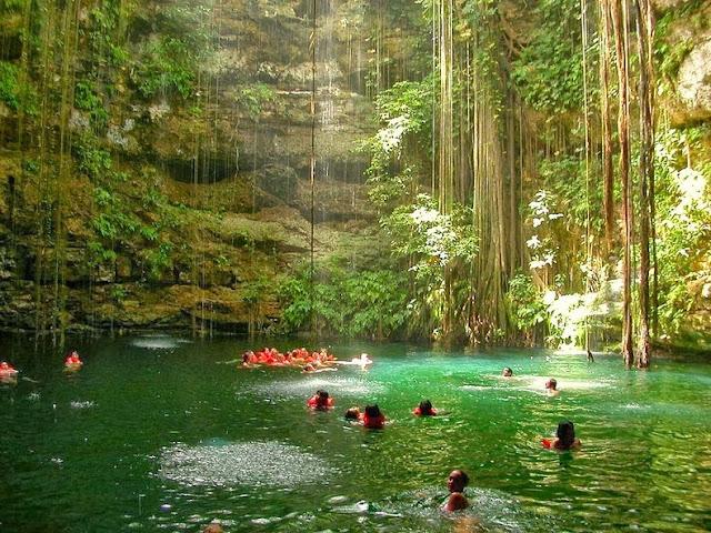 Los Cenotes de la Península de Yucatán en México
