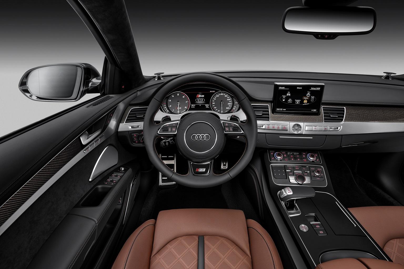 2014 Audi S8 Interior