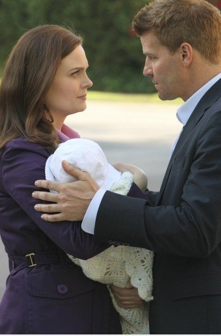 bones brennan and booth start dating