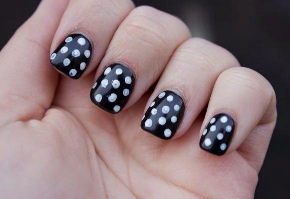 Polka dots short nail design