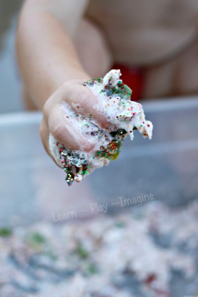 Sparkly clean mud sensory play - a clean way to get messy