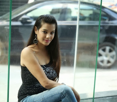 Gorgeous Deeksha panth hot stills in jeans at black is black event