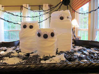 Halloween Kids Craft, Mummies Made from Mason Jars