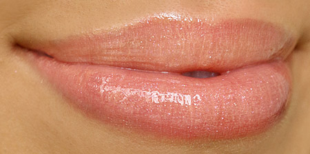 Bobbi Brown Bellini Lipgloss Swatch