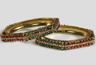 Beautiful Gold Bangles Designs 2012