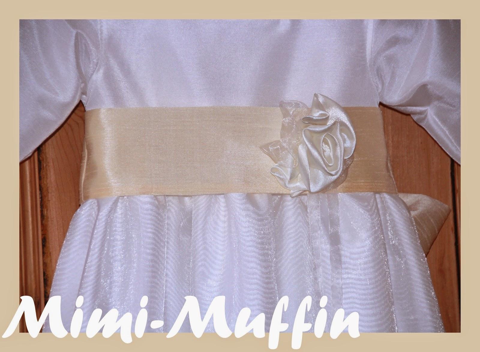 mimi muffin romantisches taufkleid in vanille und wei. Black Bedroom Furniture Sets. Home Design Ideas