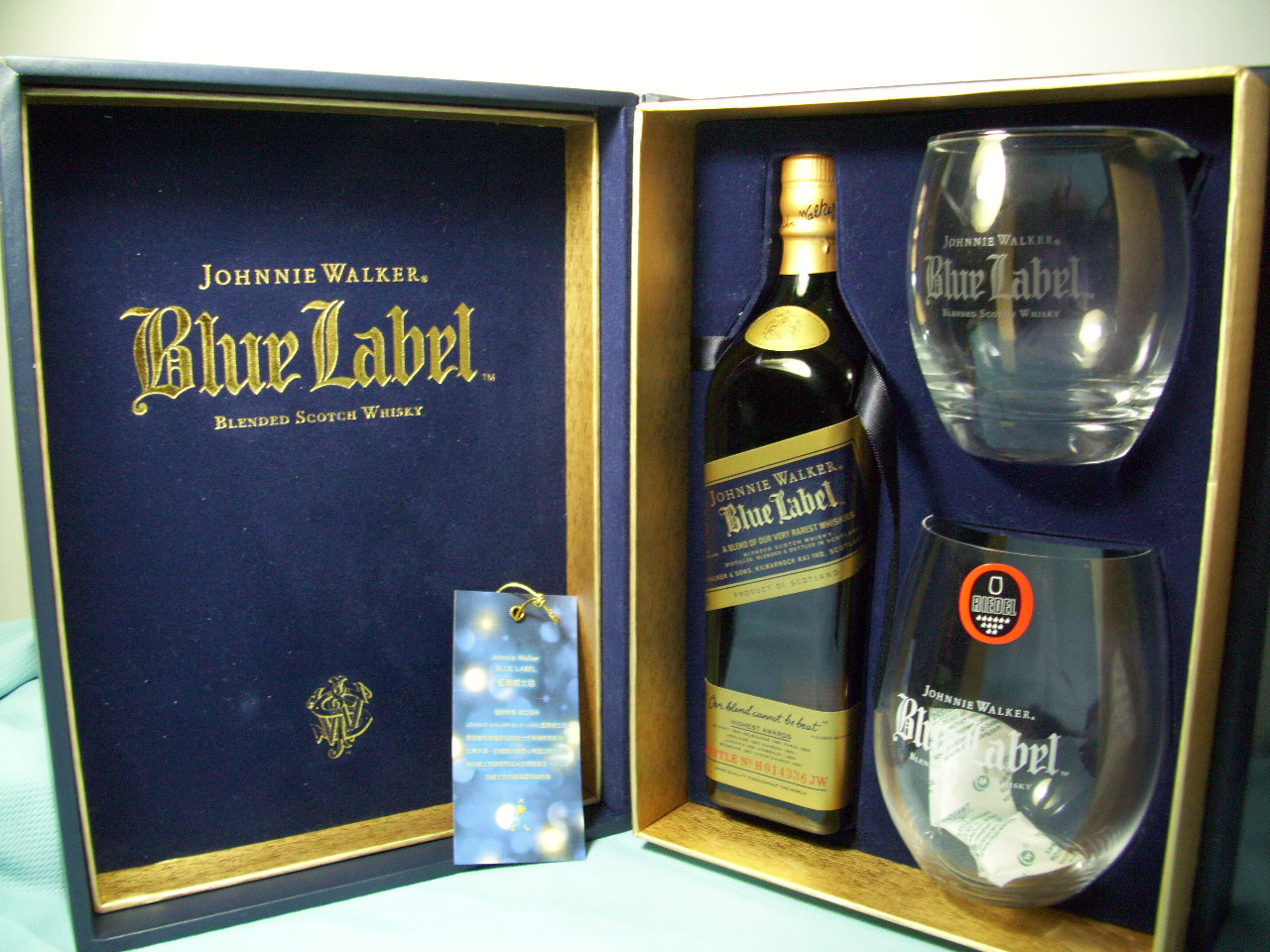 JOHNNIE WALKER Blue Label 500ml Bottle + Crystal glass GIFT set for collection
