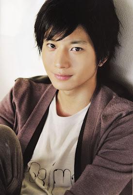 http://4.bp.blogspot.com/-7RVjSWKh-KM/TuQ9-YDJKRI/AAAAAAAAAIQ/ILyYKK0QIEo/s1600/Handsome+Japanese+actor+Mukai+Osamu+pictures+_14_.jpg