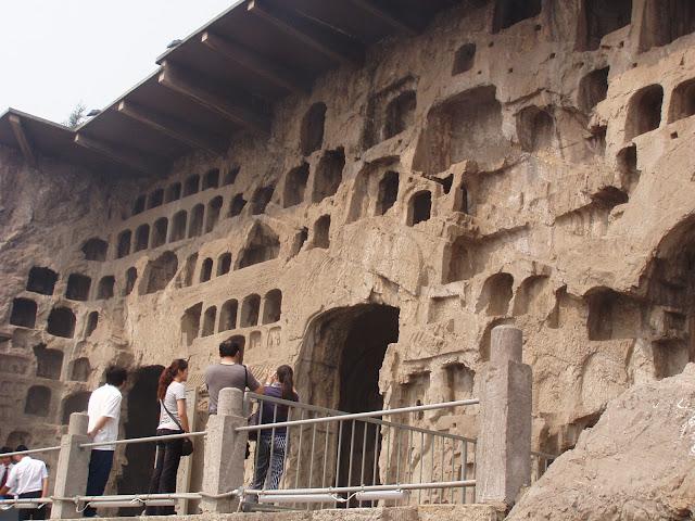 Logmen caves Luoyang