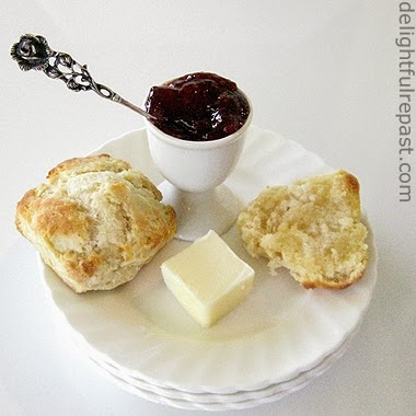 homemade freezer biscuits / www.delightfulrepast.com