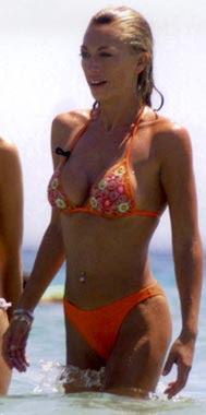 bikini joven belen esteban rojo explosiva