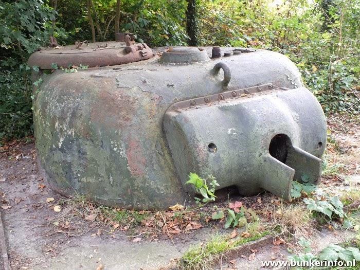 http://www.bunkerinfo.nl/2014/09/tankkazemat_27.html