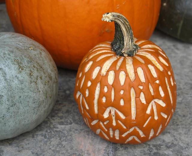 Sense and simplicity pumpkin carving