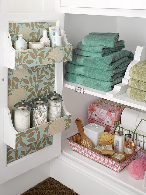 DIY: Bathroom Storage