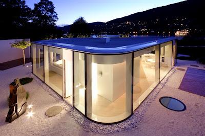 Дом с остекленным павильоном, Швейцария