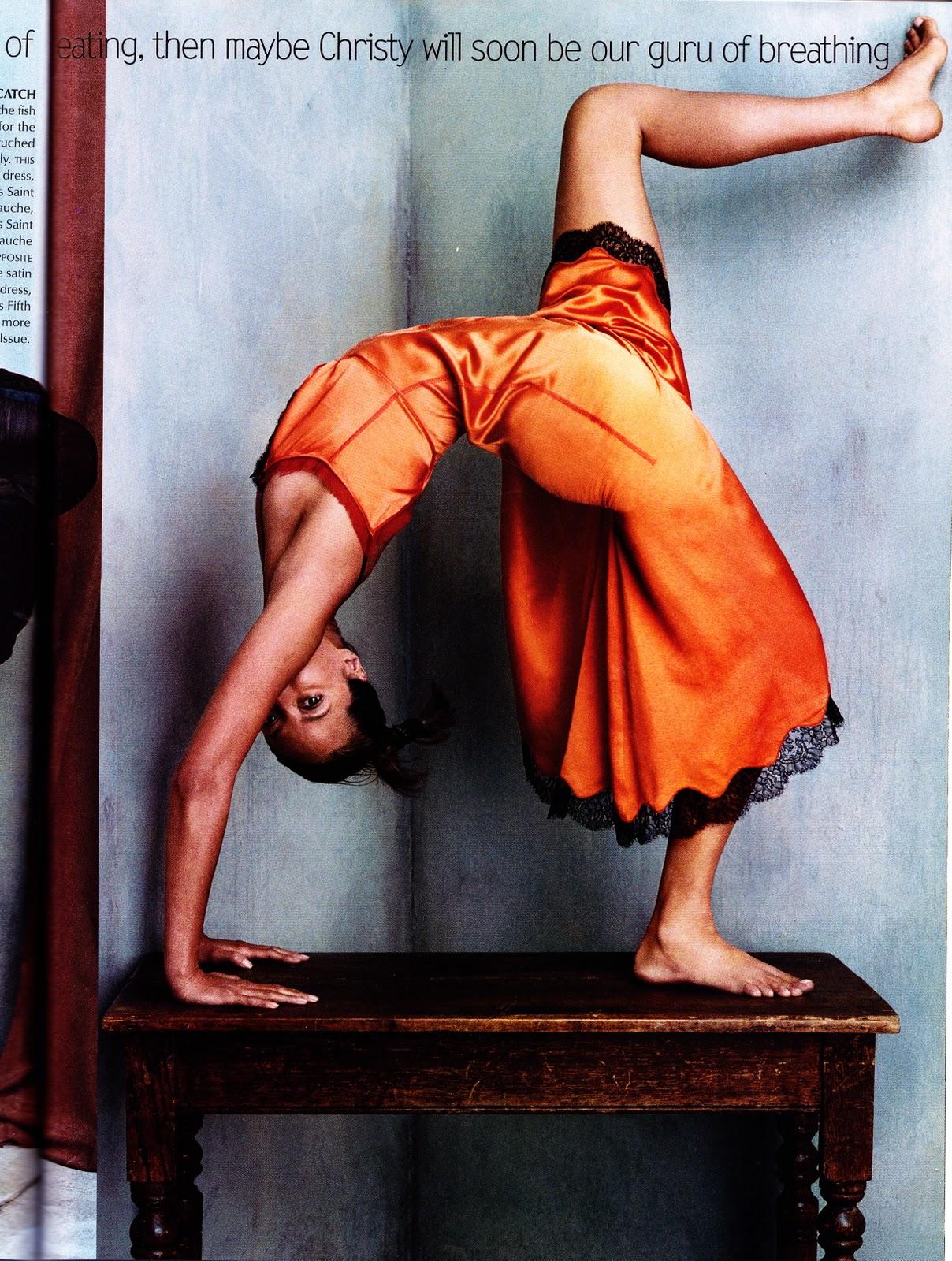 http://4.bp.blogspot.com/-7TDGgcFLA6E/TsMG3KA0nII/AAAAAAAAHUI/LMM9DeTK3Ac/s1600/yoga_christy_vogueoct2002_steven+klein.jpg