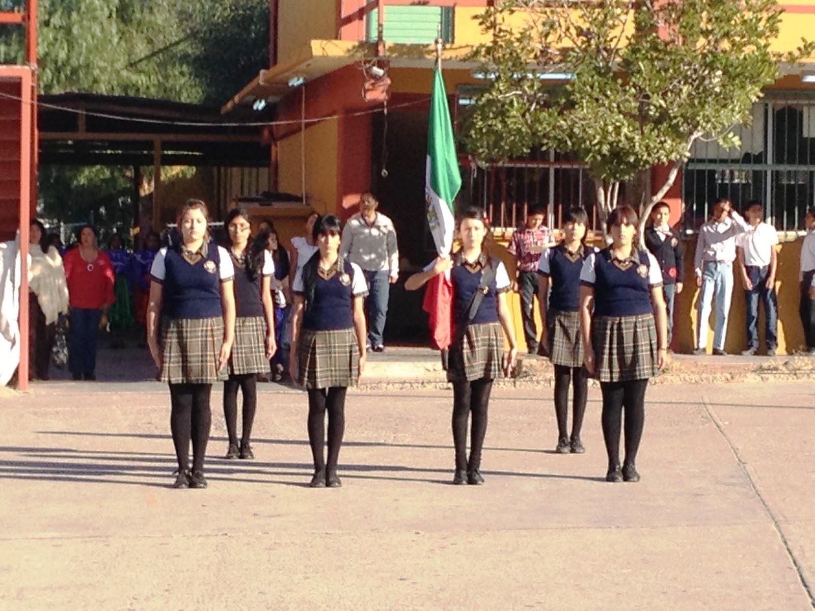 Fotos De Uniformes Escolares Para Escolta | newhairstylesformen2014