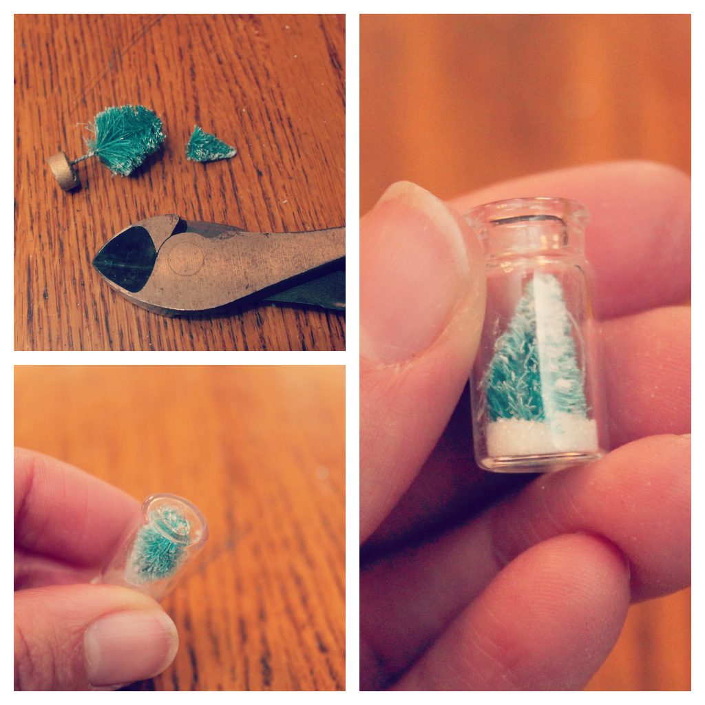 Christmas Jewelry Snow Globe Pendant