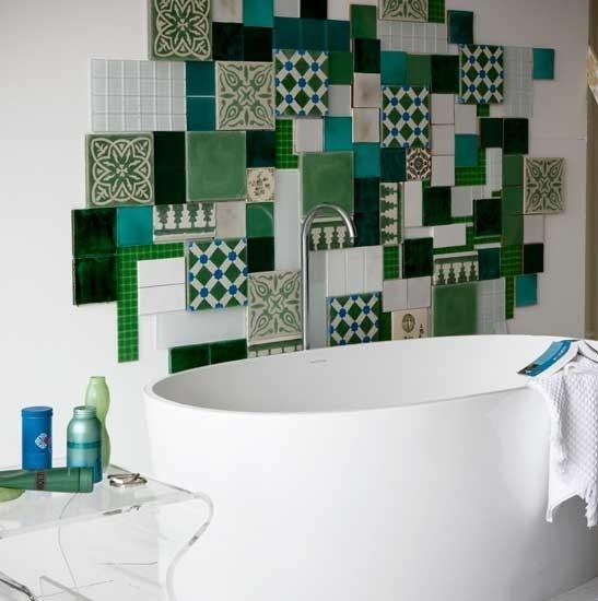 Azulejos Baño Mosaico:Esta pared está decorada de una manera que además es muy útil