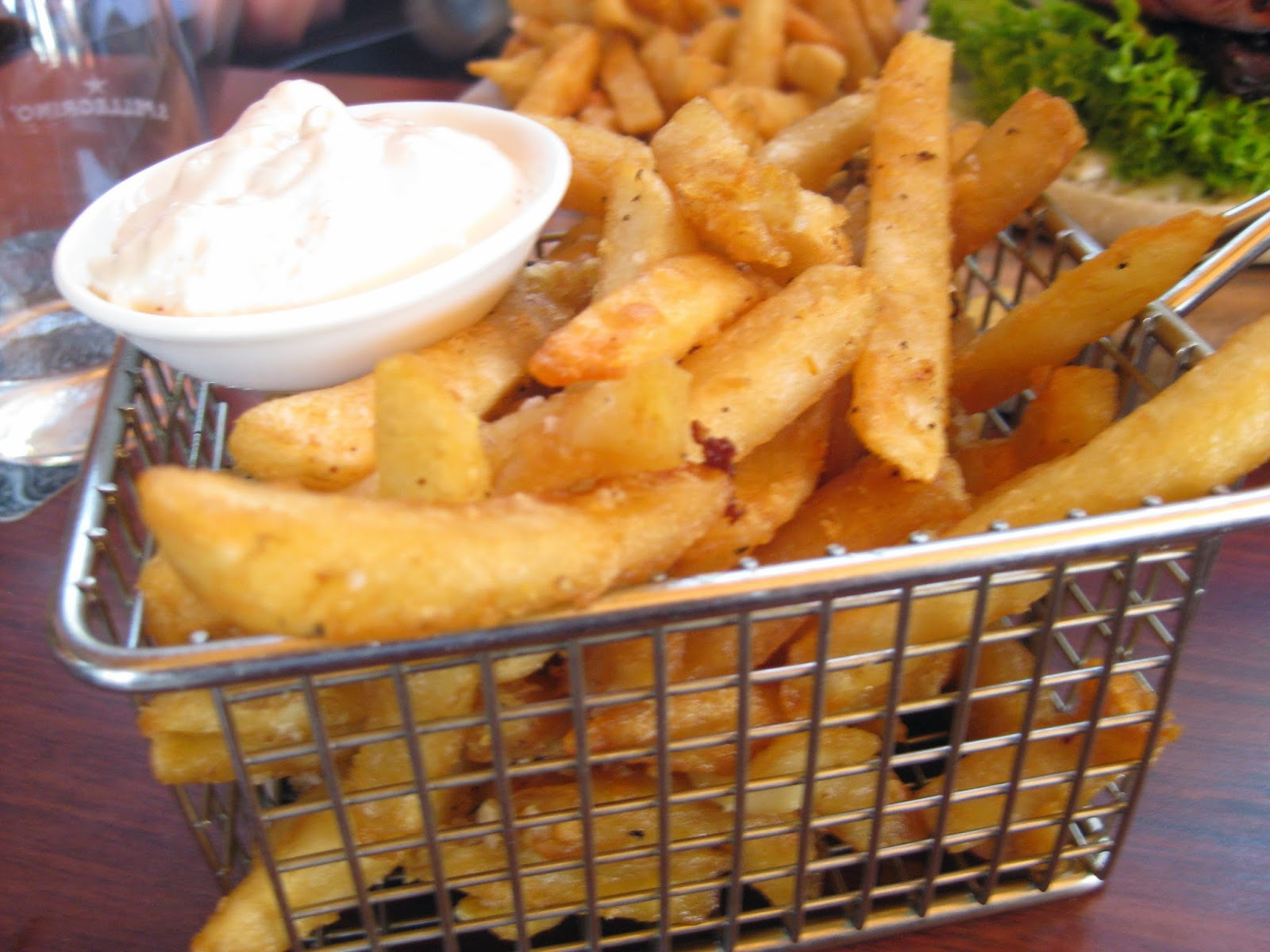 Cassie Cakes Cove Bar & Dining Review - Amazing chips