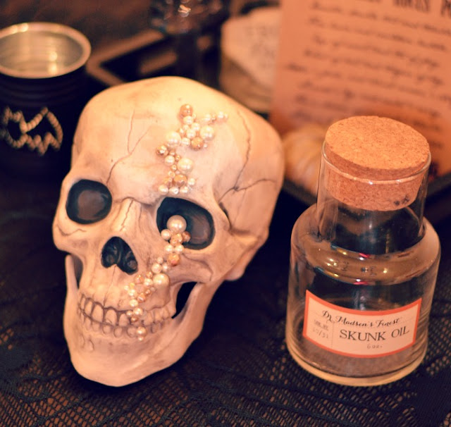 halloween table decor jewel skull by Cordier Events