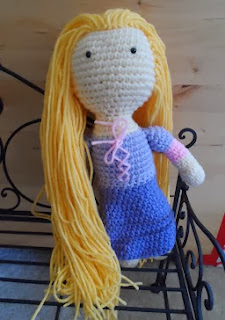 http://translate.googleusercontent.com/translate_c?depth=1&hl=es&rurl=translate.google.es&sl=en&tl=es&u=http://kristenscrochet.blogspot.de/2013/08/rapunzel-tangled-inspired-crochet-doll.html&usg=ALkJrhjYz5NU63xMrFKgs7LYhQ7URLue0A