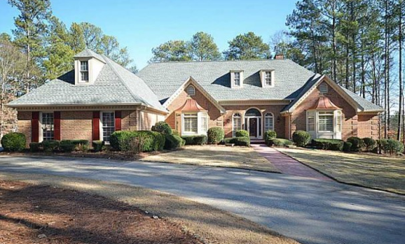 Ranch style homes for sale in roswell georgia with basements for Old farm houses for sale in georgia