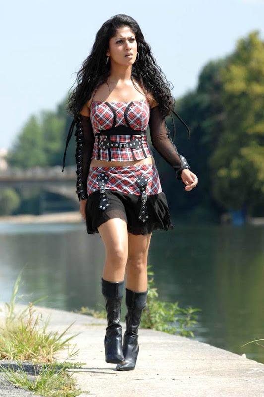 Soth Indian Actress Nayantara Photo gallery glamour images