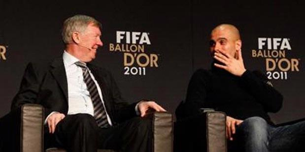 Pelatih MU, Sir Alex Ferguson (kiri) dan mantan pelatih Barcelona, Pep Guardola.