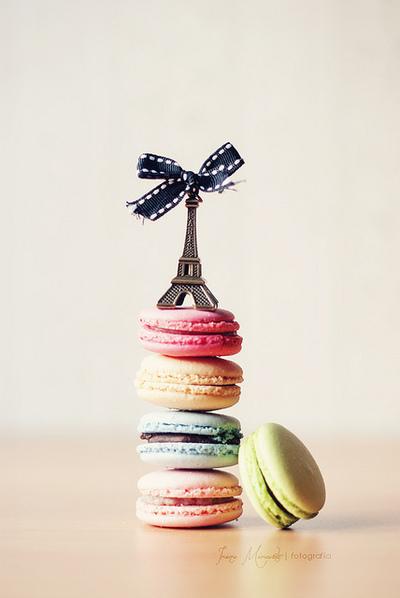 Paris Cake With Macarron