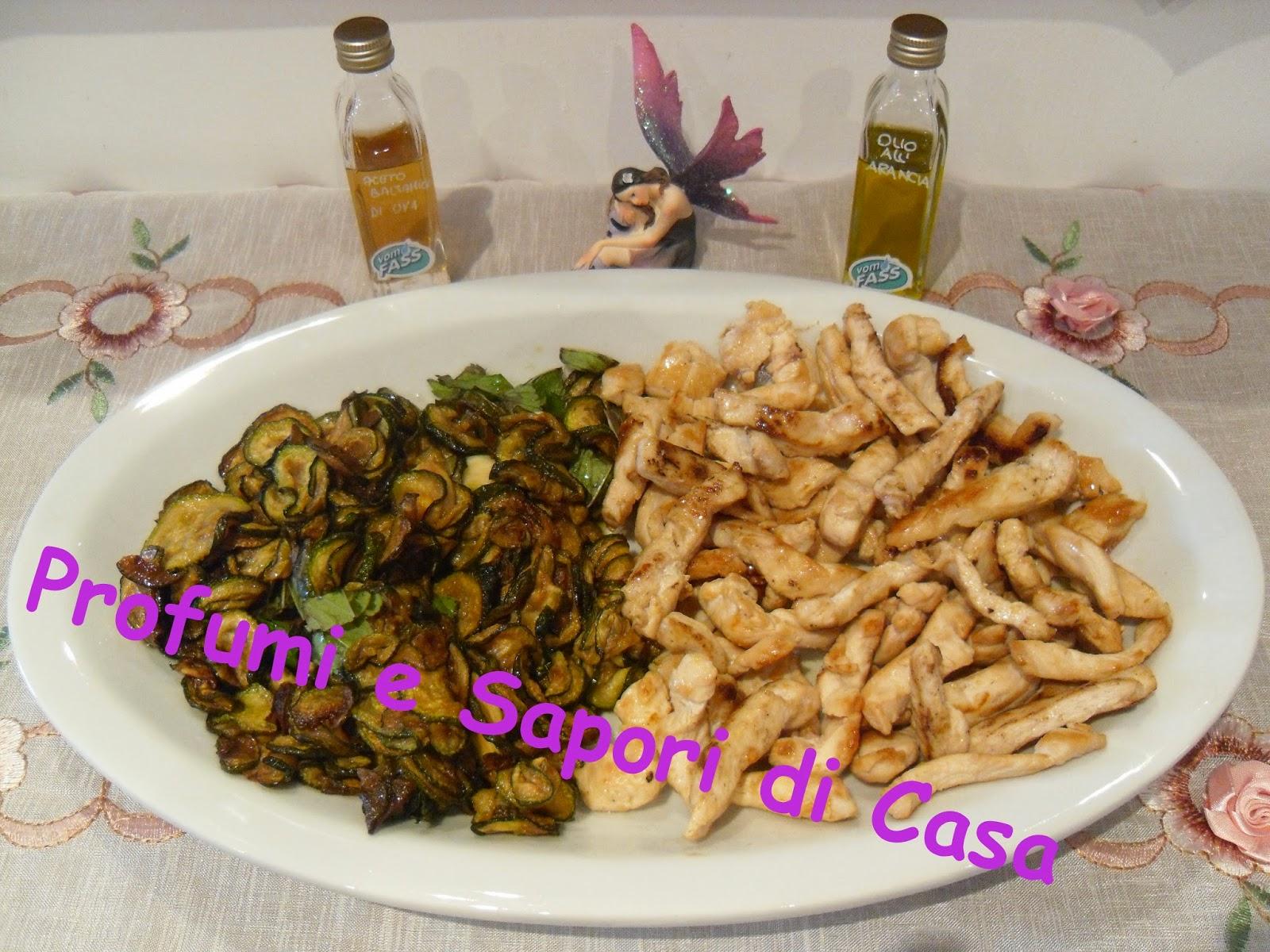 straccetti di pollo arrostiti all'olio d'oliva all'arancia vom fass con zucchine alla scapece all'aceto balsamico d'uva vom fass