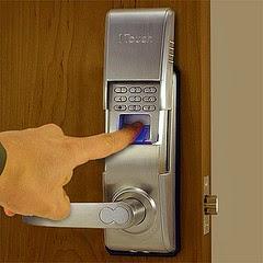 http://www.locksmithbushwickbrooklyn.info/#!commercial/c1ard