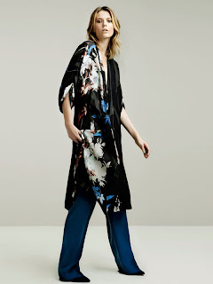 http://4.bp.blogspot.com/-7ULUYax8ZwY/TdNMUN8fr2I/AAAAAAAAAZQ/IUSSGkrRU3E/s1600/zara-kimono.jpg