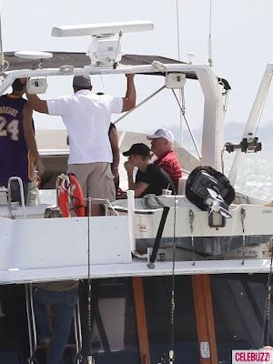 Justin-Bieber-Takes-Selena-Gomez-On-a-Fishing-Trip-PHOTOS-