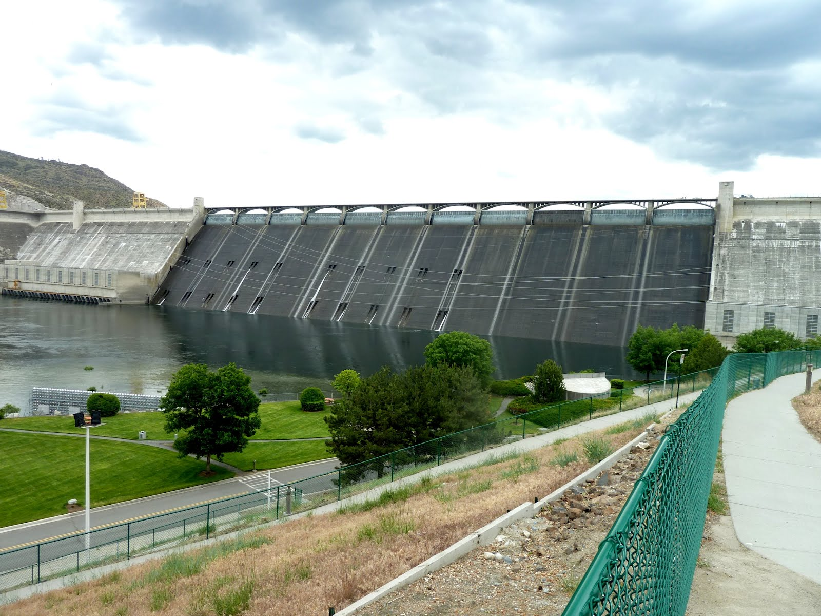 coulee dam senior singles Just wondering how many motorcycle riders are out there who would be interested in a july 4th/09 weekend ride south of the border coulee dam, fireworks,2 laser light shows,horseback riding satu.