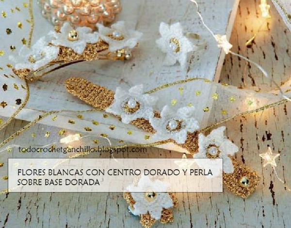 flores tejidas al crochet con base dorada