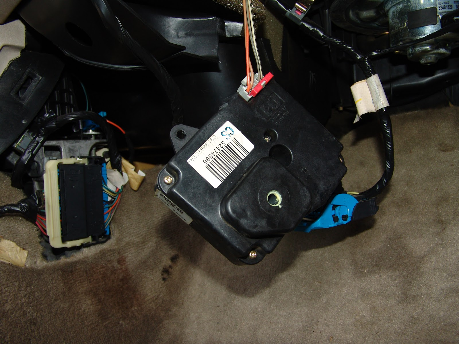 Air actuator replacement 2004 ford explorer autos post for 02 explorer blend door fix