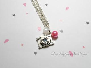 Collar Camara de fotos Rosa y Blanco_Los Caprichos de Anais
