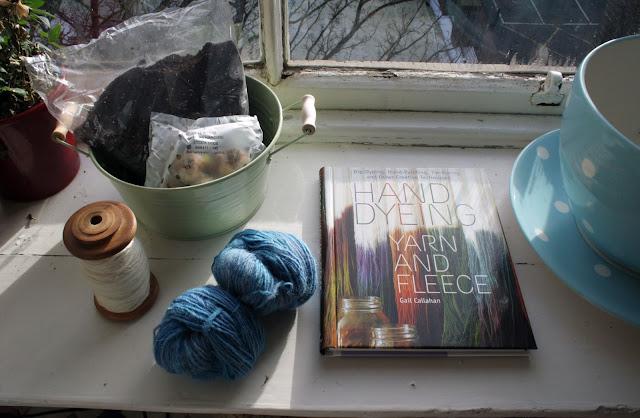 Hand Dyeing Handspun & Potting Plants @owlprintpanda.blogspot.co.uk