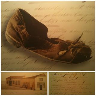 Schoentje en processtukken Sara Geldof - Zeeuws Archief. Foto's uit 'Die Stadts Nyeuwe Schuere' (2003)