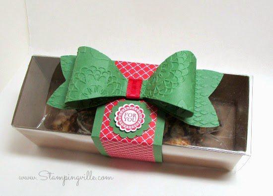 Stampin' Up! die-cut gift bow on food safe gift box #papercrafts #StampinUp #Stampingville