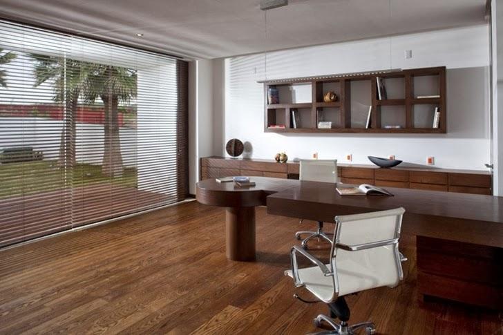 Home office in Casa del Agua by Almazán Arquitectos Asociados