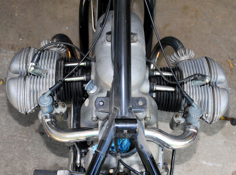 R Opposed Cylinders on Small V Twin Motorcycle Engines