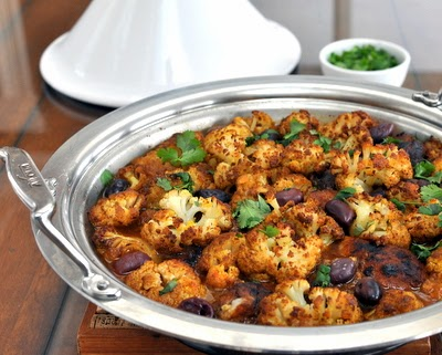 Spiced Chicken with Roasted Cauliflower Tagine, a one-pot supper, chicken and roasted cauliflower with warm spices and preserved lemon. #LowCarb #GlutenFree #HighProtein For Weight Watchers, just #PP7.