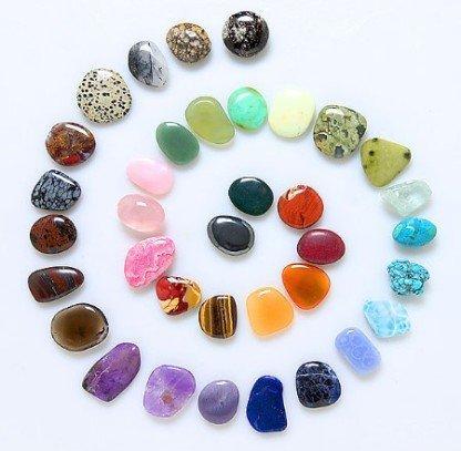Curarsi con l'energia delle pietre: la cristalloterapia